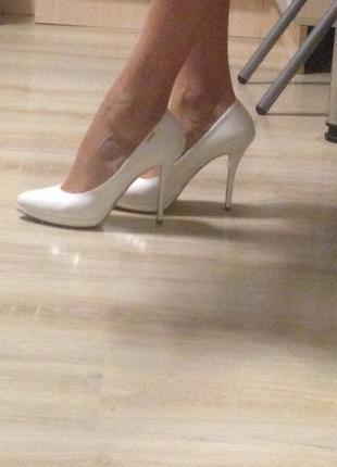 Туфли loriblu белые, лак