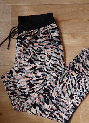 Штаны - брюки george 14- размера с лампасами .1