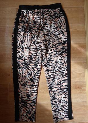 Штаны - брюки george 14- размера с лампасами .4