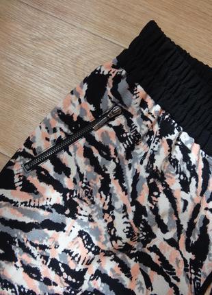 Штаны - брюки george 14- размера с лампасами .2 фото