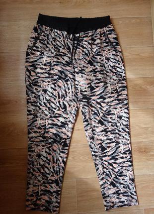 Штаны - брюки george 14- размера с лампасами .3