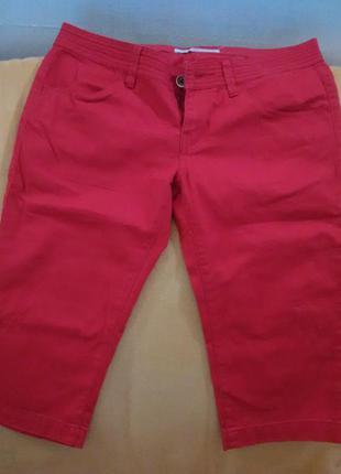 Красные джинсовые бриджи fornarina