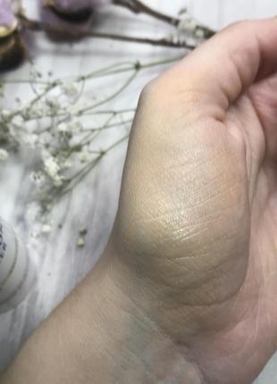 Cc тональный крем с гиалуроновой кислотой eucerin hyaluron-filler cc cream hell naturale3 фото