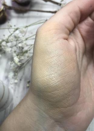 Cc тональный крем с гиалуроновой кислотой eucerin hyaluron-filler cc cream hell naturale4 фото