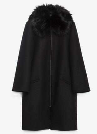 Пальто zara с меховым воротником