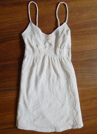 Гарне біле коротке платтячко