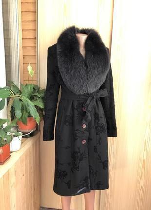 Теплое классическое женское пальто