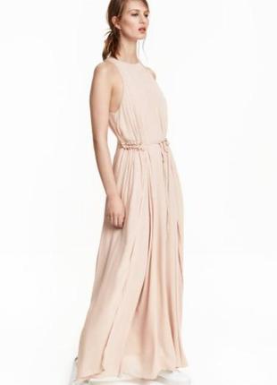 Красивое длинное платье h&m без рукавов.