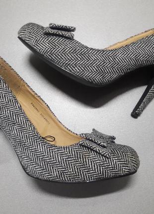 (р.40/25,5 см) стильные туфли fiore collection