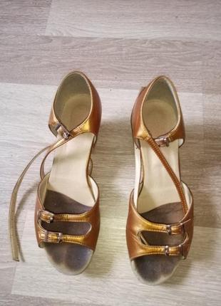 Туфлі для танщ