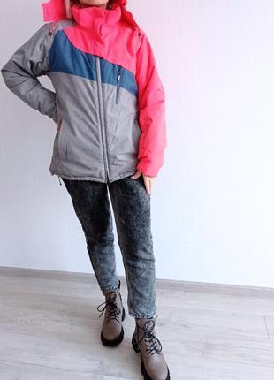 Горнолыжная куртка, куртка пуховик.