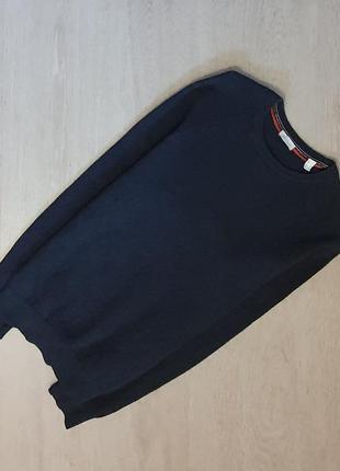 Продается стильный  свитшот свитер в рубчик от esprit ( есть нюанс)