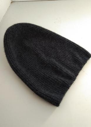 Кашемировая шапка бини от uniglo