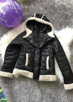 Курточка для девочки на рост 146-152