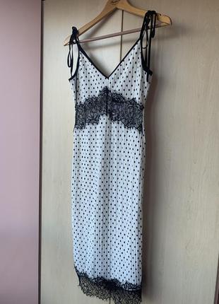 Новое красивое плиссированное белое платье в горох на бретелях с кружевом от topshop