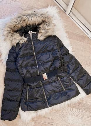 Курточка пуховик с поясом jennyfer