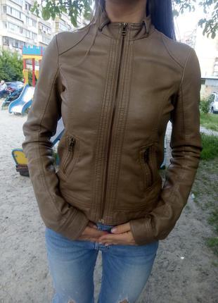 Стильная куртка из кожзама pimkie