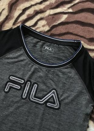 Супер футболка для спортивных девушек от fila big logo reflective