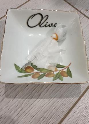 Блюдце для оливок