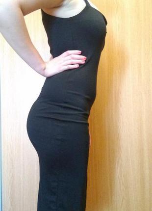 Черное обтягивающее платье