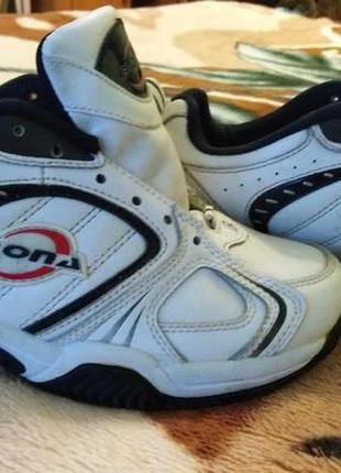 Детские кожаные кроссовки bona