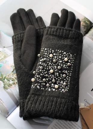 Женские теплые перчатки вязка бусинами черные