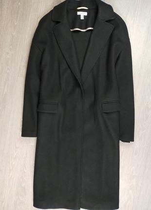 Чёрное прямое пальто