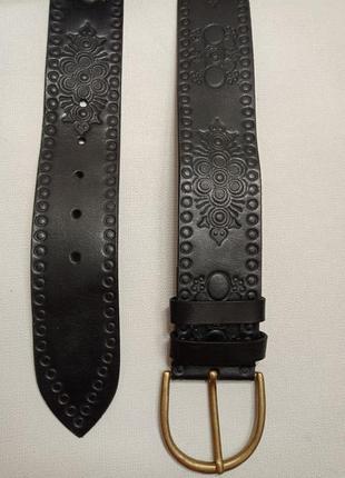 Красивый кожаный ремень пояс с узорами