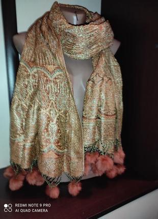 Теплый шарф с натуральным мехом
