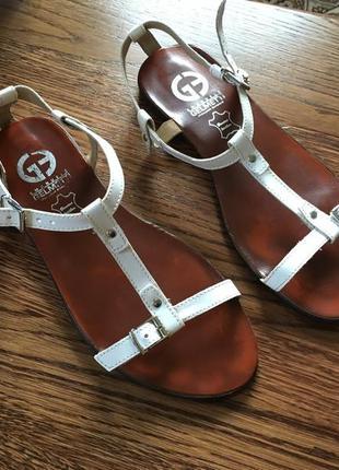 Трендовые босоножки-сандали gelmetti