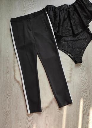 Черны штаны брюки стрейч с белыми лампасами полосками сбоку талия на резинке кроп