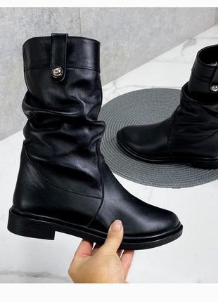 Стильные зимние сапоги, сапожки, ботинки на низком каблуке, хит сезона, зима
