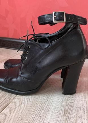 Кожаные туфли р.39 vero cuoio