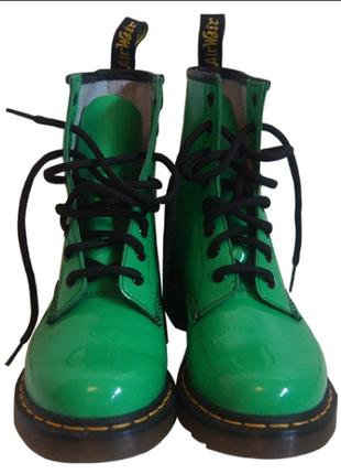 Мега хит .лаковые салатовые ботинки dr.martens