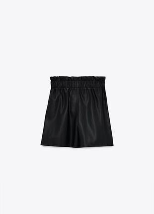 Кожаные шорты бермуды 😍 zara