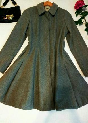 Стильное красивое пальто 12 размер