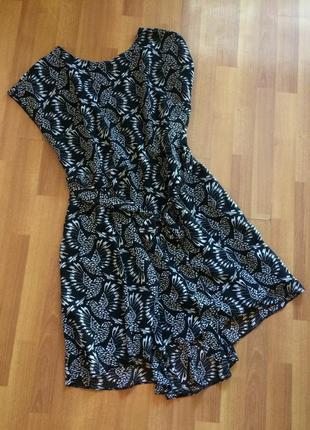Стильное платье в черно-белый принт большого размера wallis