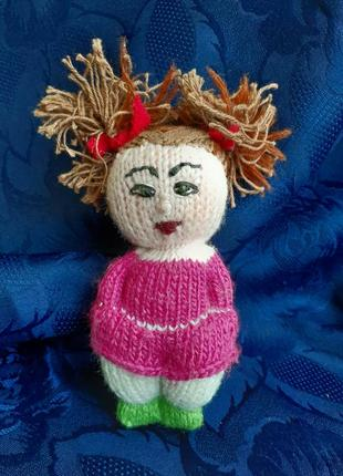 Девочка с хвостиками кукла вязанная мягкая игрушка ручной работы куколка