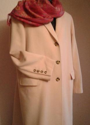 Шерстяное пальто цвета пудры размер 20