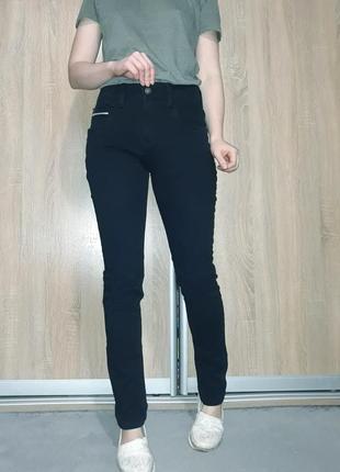 Утеплённые плотные мягкие темно-синие джинсы с махровым начесом на завышенной посадке