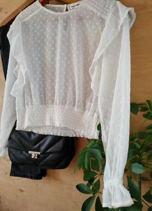 Блуза с воланами рюшами в горошек