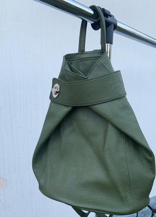 Кожаный итальянский рюкзак , шикарный цвет оливки
