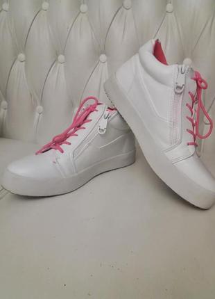 Сникерсы кроссовки  высокие белые