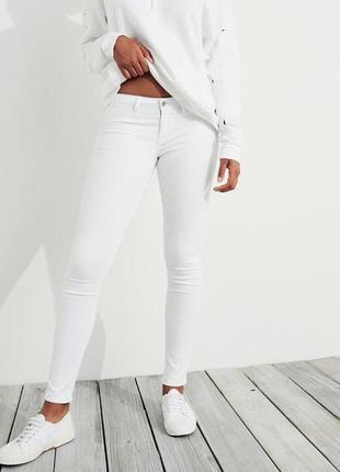 Белые джинсы скинии молниями снизу низкая талия посадка от мадонны узкачи стрейч однотон