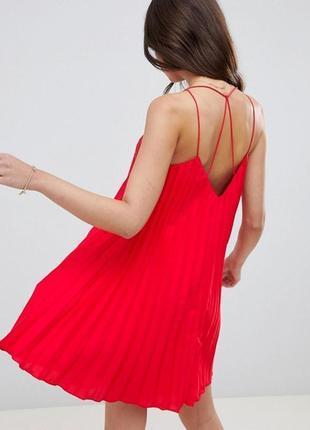 Платье красное алое плиссе плиссерованное трапеция свободное asos