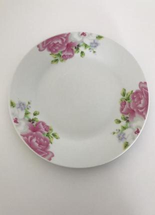 Тарелки, красивые тарелки, набор тарелок.