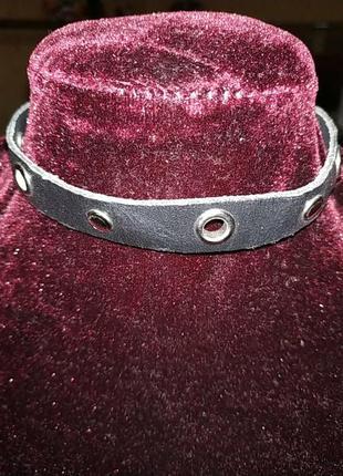 Кожаный чокер с заклёпками