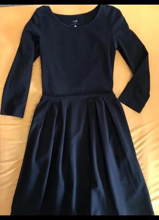 Платья куколка чёрное со складками трикотажное от oodji