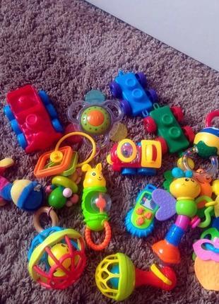 Лот игрушек ща 149 грн все