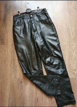 Чёрные кожаные брюки размер с-м
